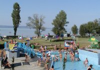 Balatonlelle Sandstrand und Kinder-Erlebnisbad.jpg